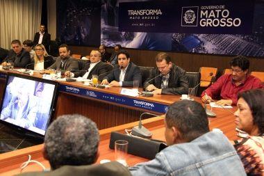 Prefeitura atende movimento comunitário e firma parceria com governo e AL