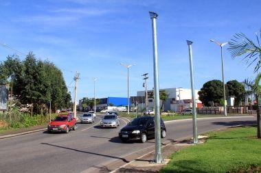 Primeiro conjunto semafórico deve passar por testes em Cuiabá
