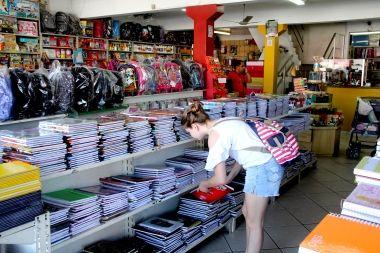 Procon municipal orienta consumidores nas compras dos itens escolares