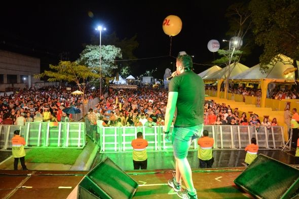 Carnaval na Orla do Porto reúne 70 mil pessoas em Cuiabá