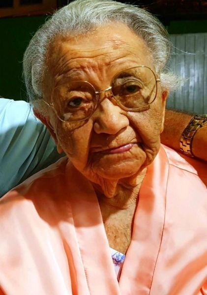 d71e7602133 SUGESTÃO DE PAUTA – Bazar da primeira-dama leva roupas à população a ...