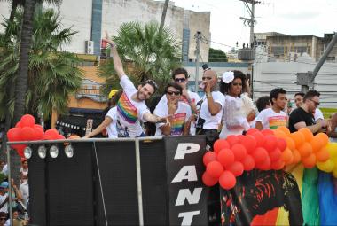 17ª Edição da Parada de Diversidade Sexual acontece nesse sábado (16)