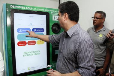 Recicláveis podem ser trocados por créditos para celular, cartão transporte e outros benefícios