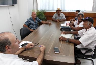 Prefeitura dialoga com carroceiros antes da aplicação de nova lei
