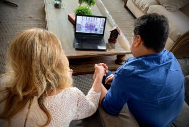Prefeito e primeira-dama participam de missa virtual no aniversário de Cuiabá