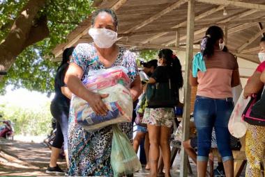 Mais 70 famílias recebem cestas entregues pelo Fundo Social Solidário do Município